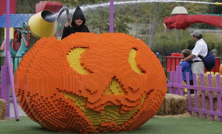 large-lego-pumpkin
