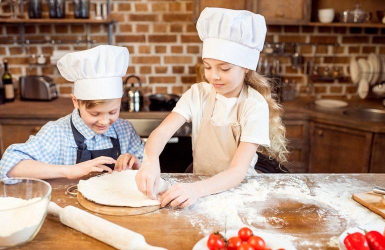 Lær børnene at lave pizza