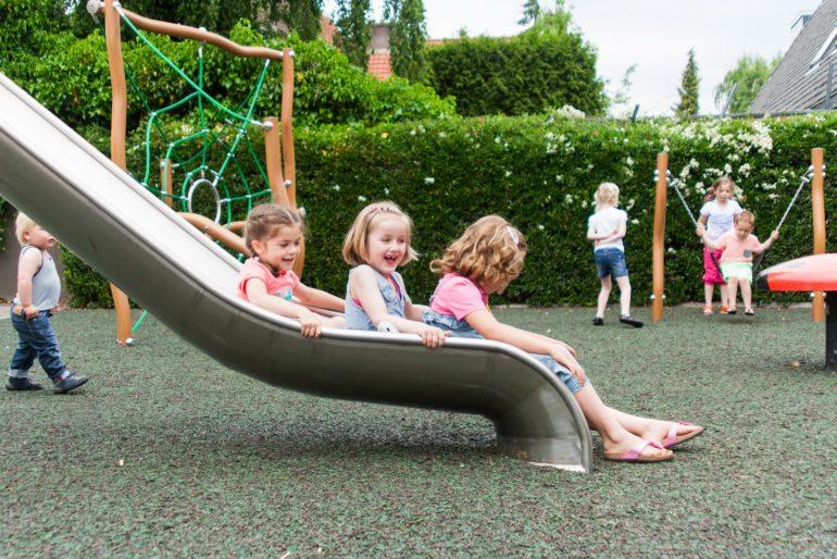 Giv børnene mulighed for at lege frit